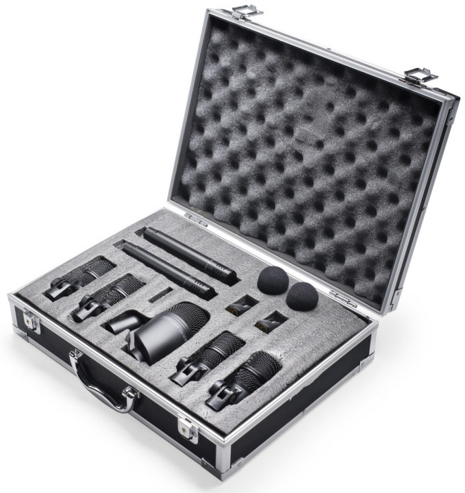 STAGG MIC. BAT.(7PC)+2SUPPT./VALISE